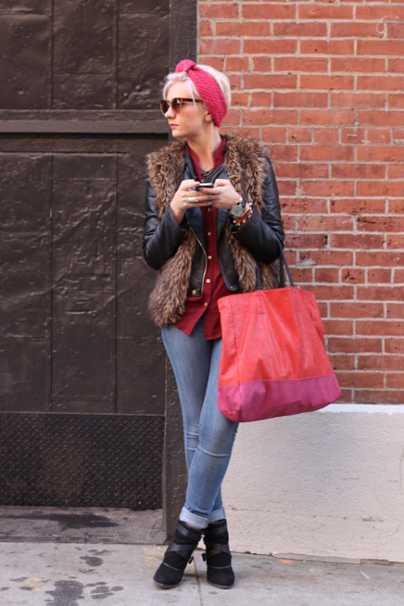 New York: Texting in Pink