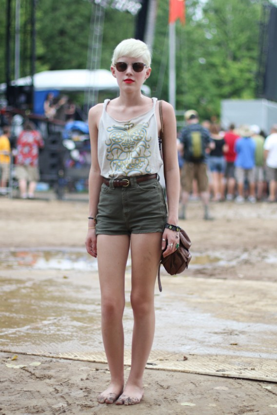 Festival Street Style... Red Lips & Bare Feet