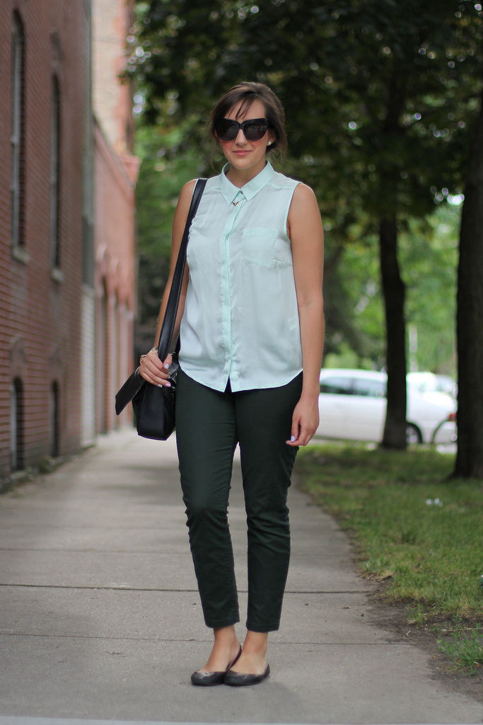 Chicago Wicker Park Lauren In Mint Green Amy Creyer 39 S Chicago Street Style Fashion Blog